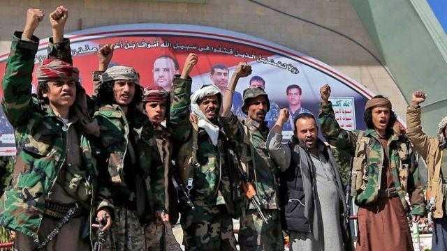 دراسات: سياسة بايدن بشأن الحوثيين تشجعهم على الحرب