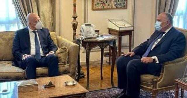 وزير الخارجية يبحث مع نظيره اليوناني سبل تطوير مجالات التعاون
