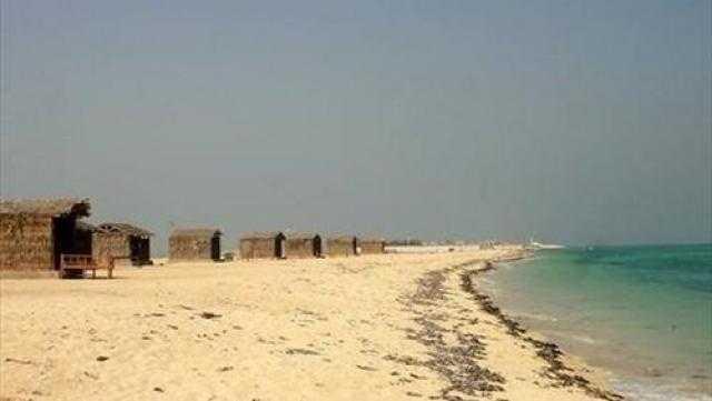 الكويت: تغير لون البحر في الدوحة الغربية سببه قلة الأوكسجين بالماء