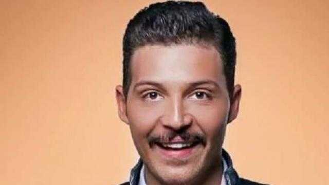 بـ حرب أهلية.. محمود حجازي يتجاهل انفصاله عن أسما شريف منير