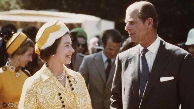 الأمير فيليب.. من هو زوج الملكة إليزابيث الثانية؟