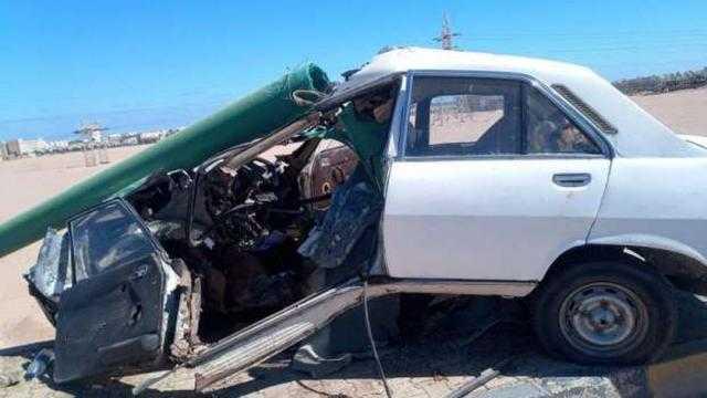 عاجل.. إصابة 6 من أسرة واحدة في انقلاب سيارة