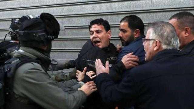 الاحتلال الإسرائيلي يعتدي على أهالي الشيخ جراح