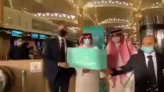 عاجل.. الغردقة تستقبل أول رحلة من مطار الملك خالد بالرياض