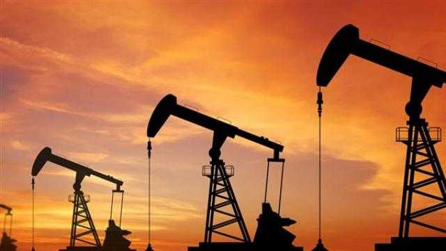 البترول: رفع سعر البنزين 25 قرشا وتثبيت سعر السولار