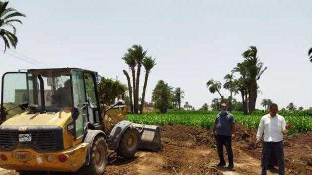 عاجل.. استمرار حملات إزالة التعديات على الأراضي الزراعية ومخالفات البناء بأسيوط