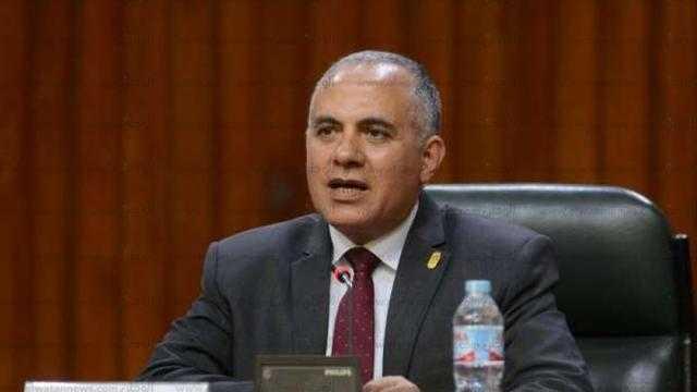 وزير الري يبحث تنفيذ برنامج التعاون مع الحكومة الهولندية