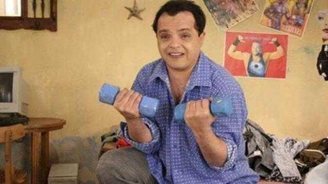 بخاف من الطيران.. محمد هنيدي يفتح قلبه لجمهوره في بث مباشر