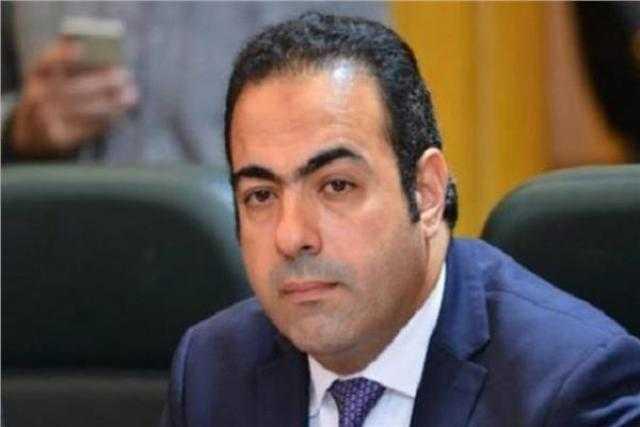 محمود حسين: الرئيس السيسي يسابق الزمن للنهوض بالدولة المصرية