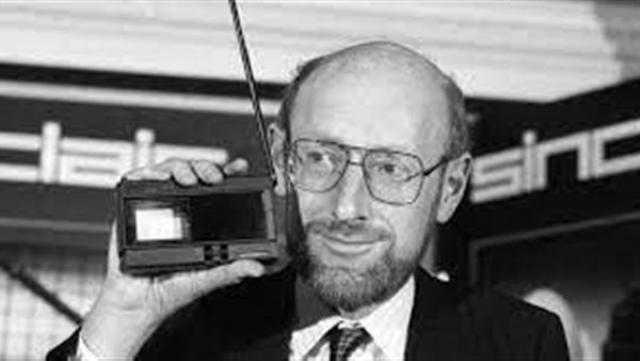وفاة مبتكر الآلة الحاسبة البريطاني كلايف سنكلير