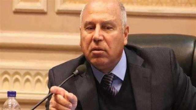 وزير النقل يشهد عقد قران عروسين في بني سويف