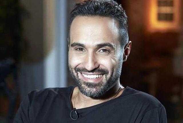 أحمد فهمي يكشف تفاصيل الحالة الصحة لشقيقه