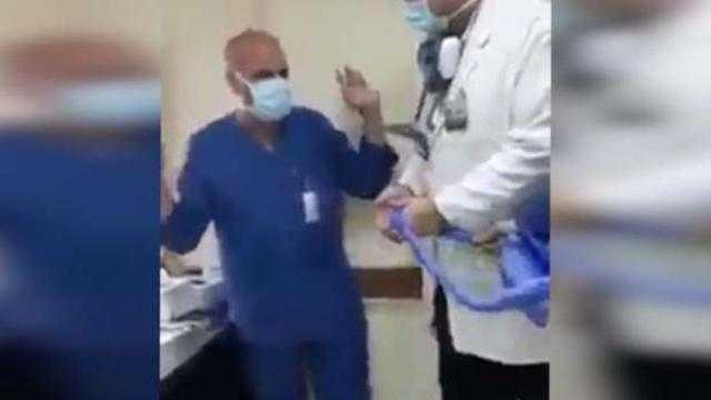 ممرض اسجد لكلبي: الدكتور عمرو اشترى الكلب بـ20 ألف جنيه وخلاني أنط الحبل