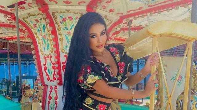 صديقة شيرين أبو العز تكشف تفاصيل خناقة نجل طارق العريان في لبنان