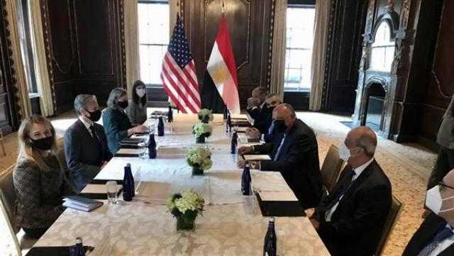 شكري يبحث مع نظيره الأمريكي العلاقات الثنائية والقضايا الإقليمية