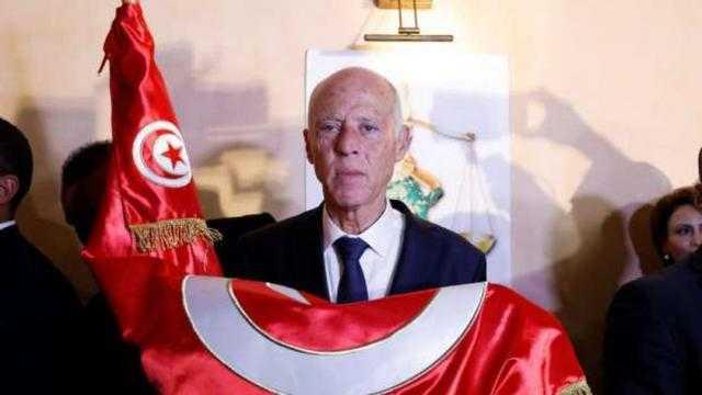 الرئيس التونسي يلغي حظر التجوال وقرارات جديدة عاجلة