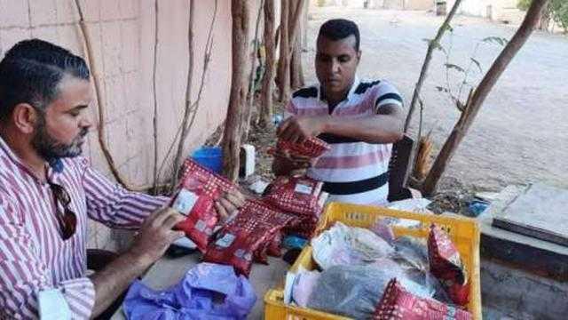 عاجل.. ضبط 48 علبة شيكولاتة منتهية الصلاحية في حملة مراقبة الأغذية بشرم الشيخ