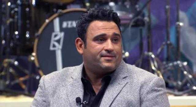 أكرم حسني: أجهز لأغنية مع محمد منير