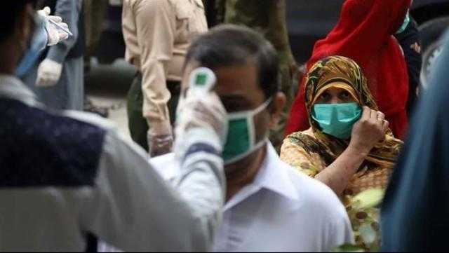 باكستان تسجل أدنى عدد لها من إصابات كورونا منذ عام