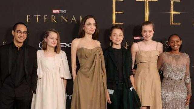 العرض الخاص لفيلم «Eternals».. ابنة انجلينا جولي ترتدي فستان والدتها