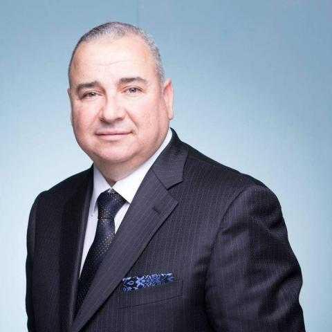 محي حافظ يتحدث عن اختياره رئيسا لمجلس إدارة الدواء والرعاية الصحية بتجمع الكوميسا