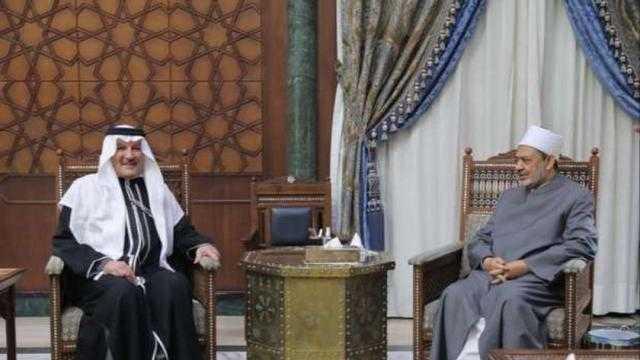 عاجل.. شيخ الأزهر يستقبل سفير السعودية بالقاهرة