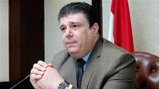 حسين زين يفتتح جناح الوطنية للإعلام بمعرض الأسبو فى تونس