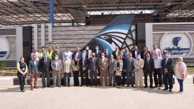 عاجل.. رئيس شركة مصر للطيران يتابع تنفيذ مشروع مبنى الخدمات الأرضية الجديد