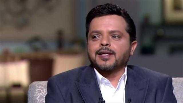 محمد هنيدي يعلق على توقف مسرحية «حزمني يا»