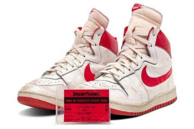 بيع زوج أحذية رياضية لمايكل جوردن بـ1.47 مليون دولار