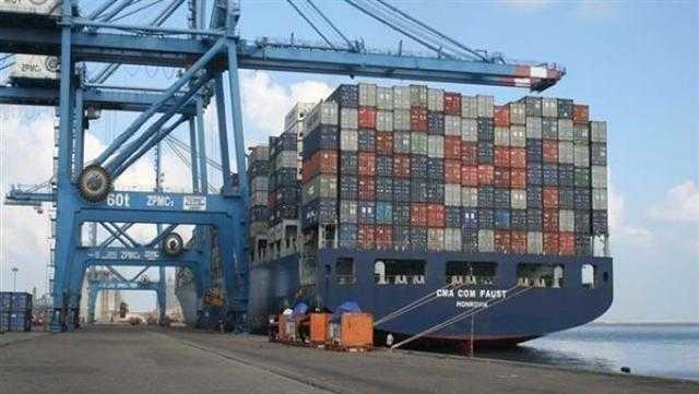 تداول 27 سفينة و5794 شاحنة بميناء دمياط خلال 24 ساعة