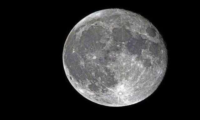 الإمارات تعلن عن موعد إطلاق مركبتها لاستكشاف القمر